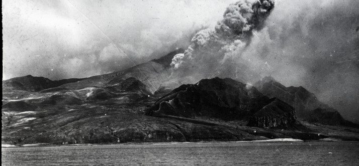 mount-pele-eruption-1902-featured