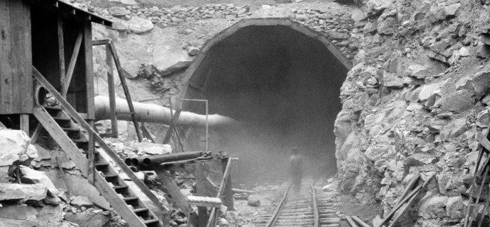 Hawk's-Nest-Tunnel-tragedy-1930s