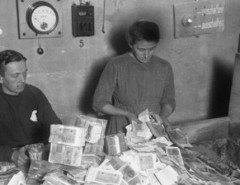 Hyperinflation-in-the-Weimar-Republic-1922-1923